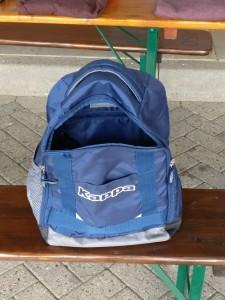 Rucksack inklusive Hallenschuhen und Pullover